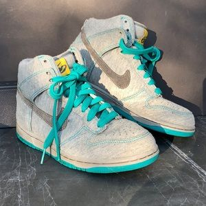 NIKE| GRAY & TURQUOISE SWEATSHIRT NIKE LOW TOPS